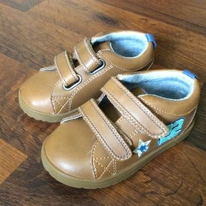 Tucker +Tate Toddler Boys 5.5 all star shoes